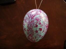 Großes Ei in mintgrün und pink