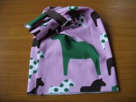 Schalütze mit hübschen Pferdestoff in rosa und brauner Punkteborde