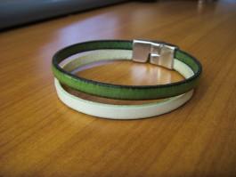 Einfaches Armband in grün und mintgrün
