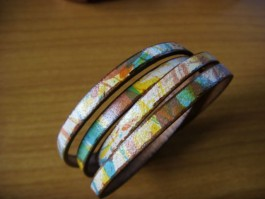 Armband 2 Band zweifach umwickelt aus buntem Leder
