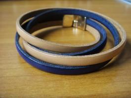 Doppeltes Armband in dunkelblau und beige