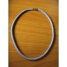 Dreifaches rundes Armband/Kette in grauer Rochenoptik
