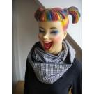 Loop-Schal handgefertigt aus grauen Designstoffen