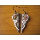 Dreieckige gewickelte Ohrhänger aus braunem und beigem Leder