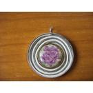 Kette rund in Metallfassung und Blütenstuck