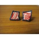 Stecker aus Straußenei rot bemalt mit dunkelblauem Leder